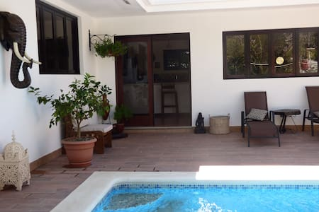 Casa Lakshmi. Luxury Villa w/pool in central town.