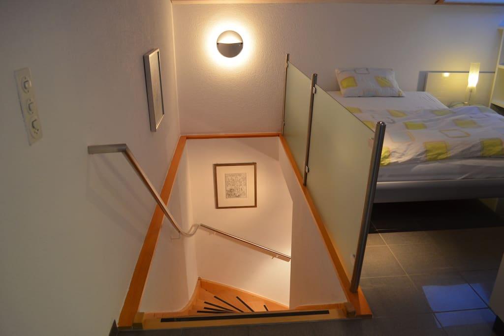 Eigene Treppe direkt in die Wohnung / Stairs directly to the apartment