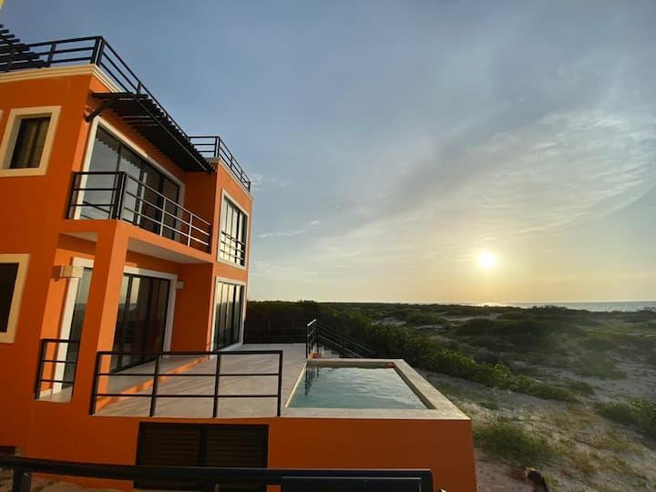Gorgeous beach house in Chuburna Puerto