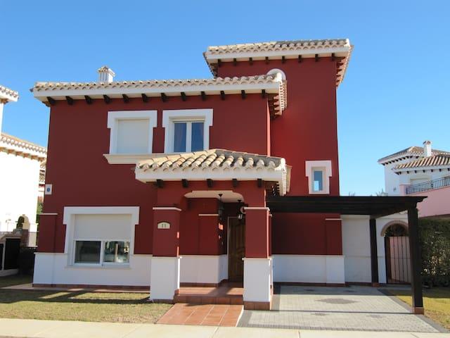 Entire Luxury Villa on Mar Menor Golf Resort - Torre-Pacheco - Hus