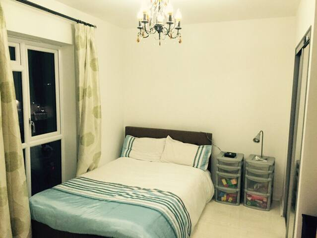Brand new room with ensuite near Heathrow airport - West Drayton - Apartment