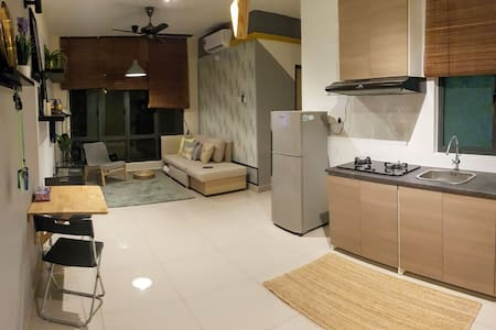 [Near IKEA] JB Modern 2br Apartment [Entire Place]