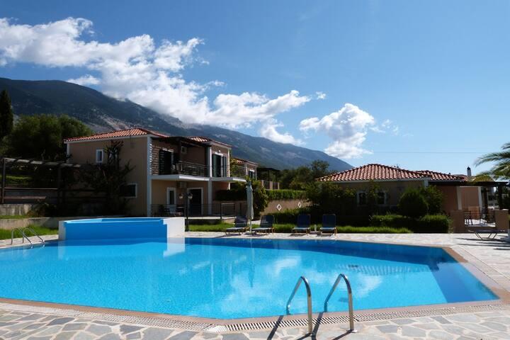Oneira Villas 3 -One bedroom Villa