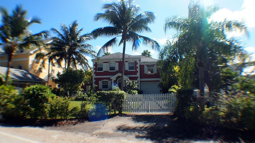 Canal Front/Gated Community/Residential only