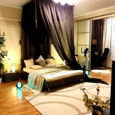Lux-Apartments  100 кв. м с 2 спальнями в центре