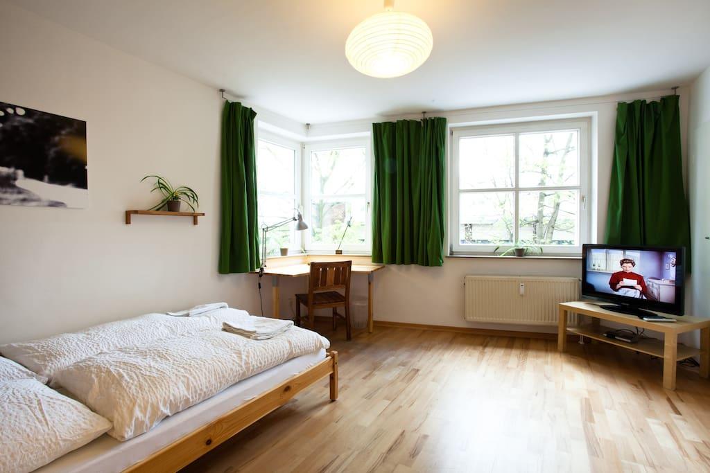 85qm, 3 bedrooms, central, quite