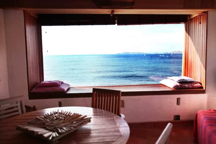 Maison avec piscine sur la mer