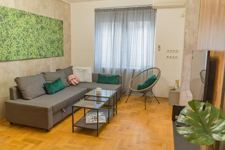 August apartment
