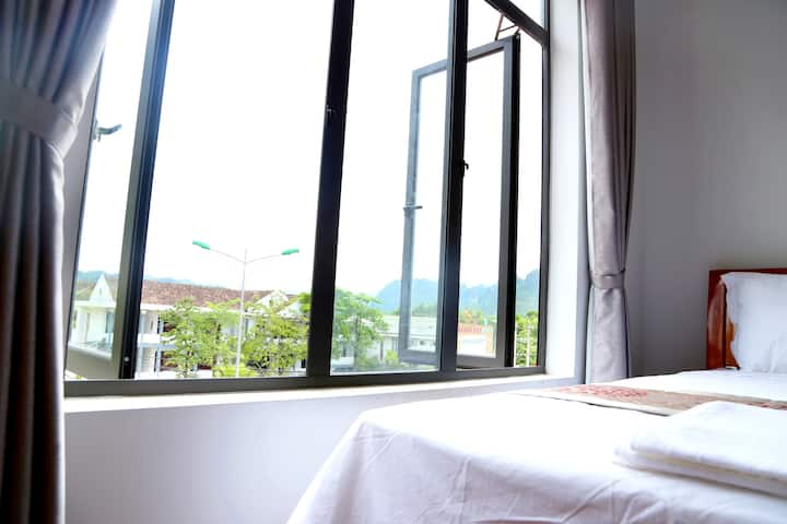 SON TINH HOTEL - Mountain View Room in Phong Nha