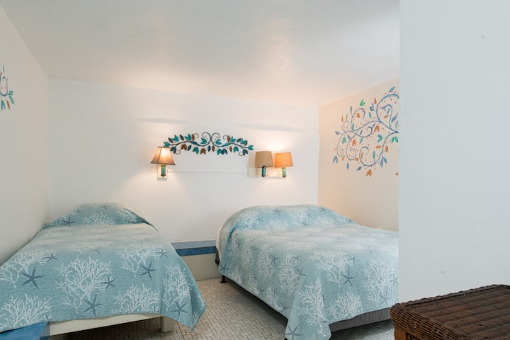 Esperanza Trade Winds Room 9