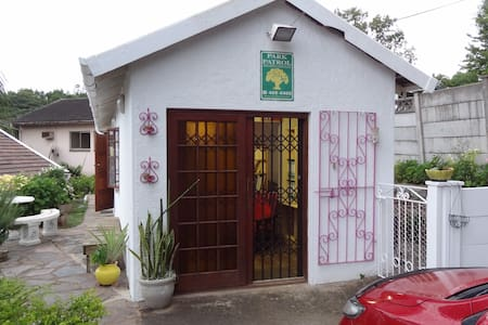 Eagle Hill Self Catering - Durban South