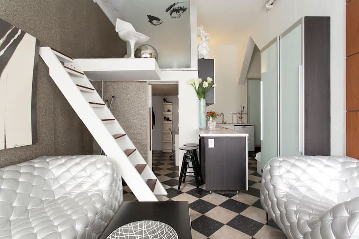 Modern Artist's Lofts/Hayes Valley