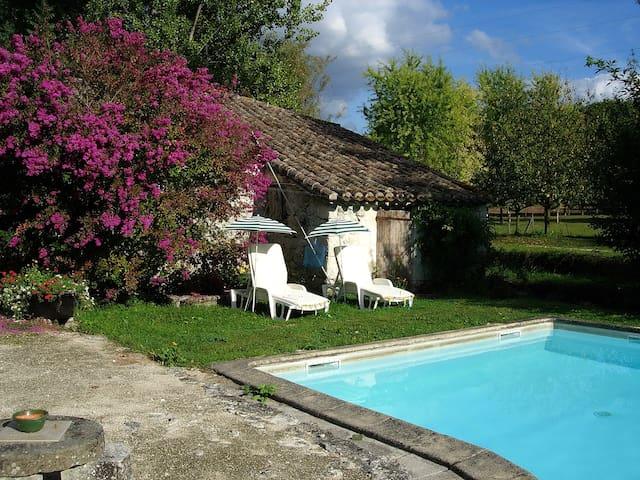 Bergerie dans un petit moulin - Montaigu-de-Quercy - Rumah