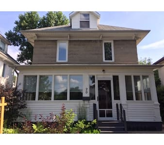 Charming and green house in the heart of Brandon