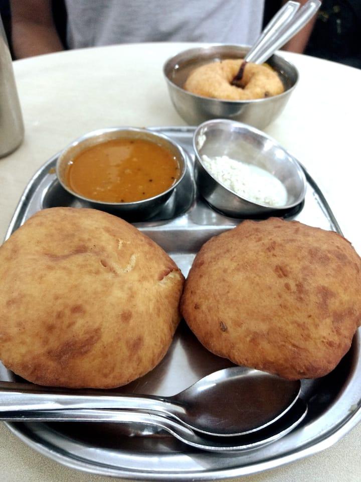 Buns Puri at Ramashray