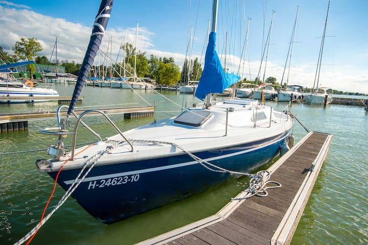 Boat & Breakfast @ BL YachtClub