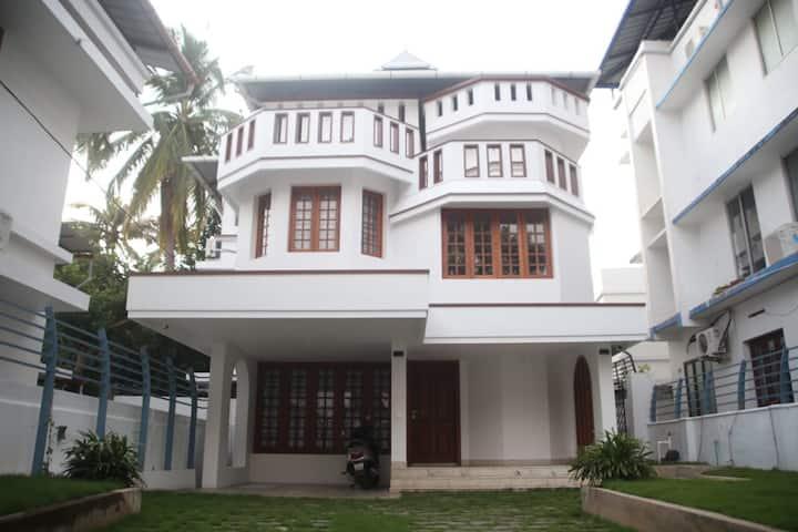 Pearl Gates, Cochin