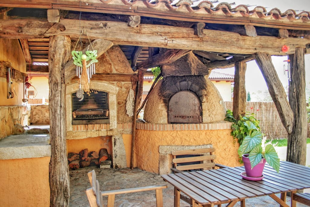 Casa el berrueco horno de le a y barbacoa 8pax cottages for rent in pe guila comunidad - Encimeras aki ...