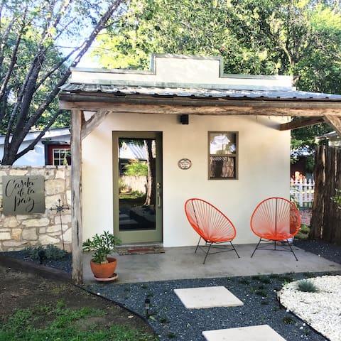 Casita de la Paz-Peaceful bungalow