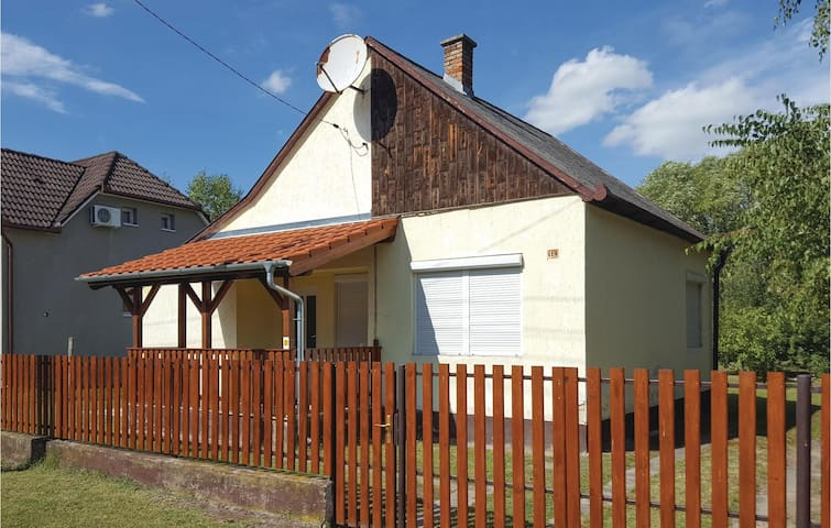 Holiday cottage with 2 bedrooms on 42m² in Balatonmariafürdö