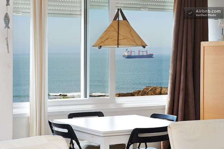 Spacious with amazing seafront view @ ocean side