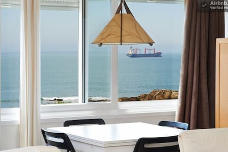 Spacious with amazing seafront view @ ocean side - Estoril