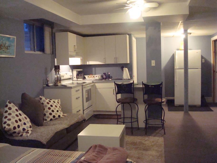 Studio spacieux et confortable lofts for rent in montr al qu bec canada - Sofa lit confortable ...