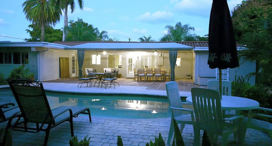 ☆Wilton Manors Spacious 3/2 - Private POOL☆ - Fort Lauderdale - Dům