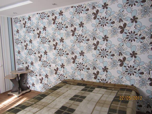 Rent  rooms in Kharkov - Kharkiv - Apartment