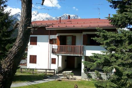 Tranquillo e panoramico appartamento a Savoulx - Savoulx - Apartment