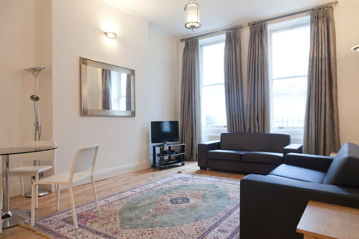 3 bed Apartment  near Hyde Park