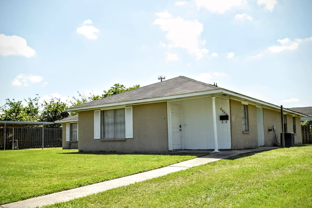 Delightful convenient 4bd home townhouses for rent in baton rouge louisiana united states for 2 bedroom houses for rent in baton rouge