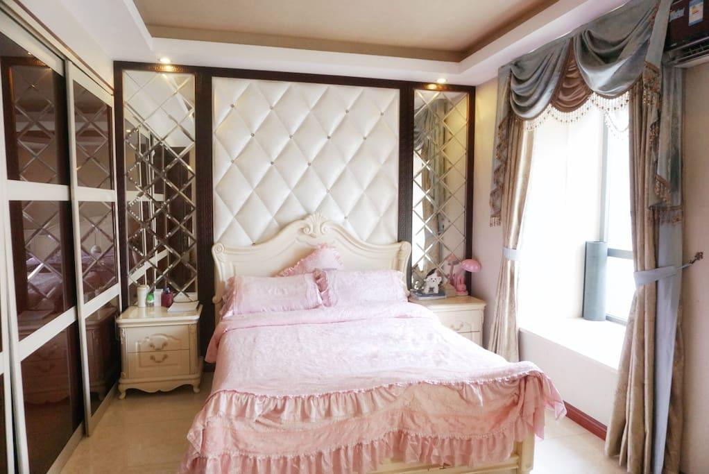 卧室大床1