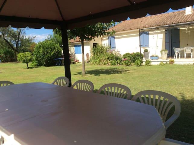 Villa au calme,avec un beau jardin - Ventiseri - Casa
