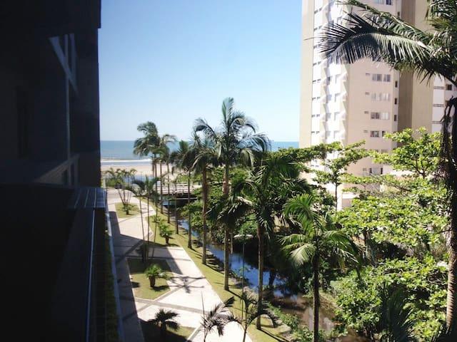 Apartamento FRENTE AO MAR COM WI-FI- Caiobá-Paraná