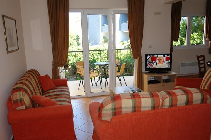 Franeta One-bedroom Apartment, first floor, garden view No.4