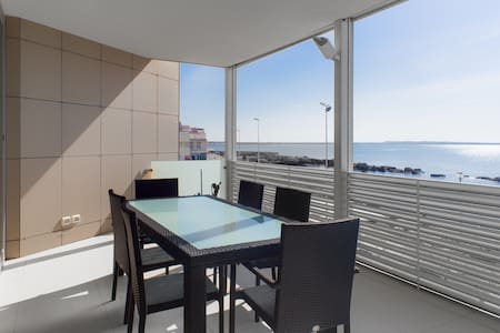 Outstanding sea view apartment