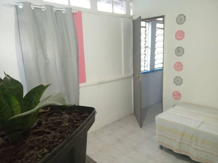 Quarto Solteiro - Centro - São Luís