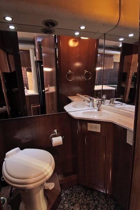 Spotless bathroom.