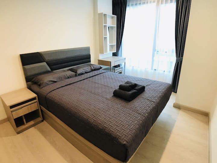 曼谷•[黄舍]No335,OnNut轻轨BTSE9 度假公寓,泳池健身房,LOTUS,BIGC超