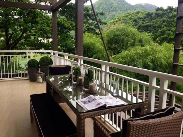 2BR Beach Condo at Pico de Loro