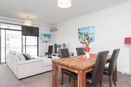 Cozy & Spacious in Lucknow - West Perth