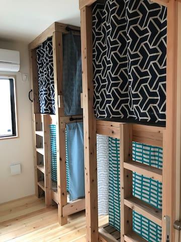 駅近!かめのこホステル 4beds男女別ドミ(3) Male or female only dorm