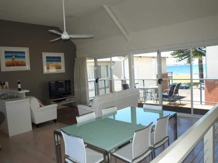 Townhouse central in Victor Harbor