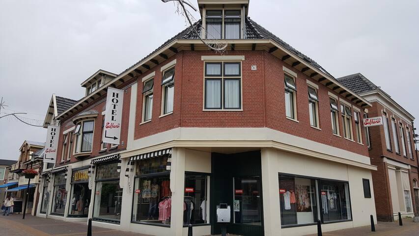 Uithuizen- Eemshaven,Hotel Eckhardt - Uithuizen - Bed & Breakfast