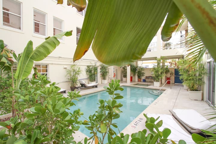 Cute apartment close to the beach,POOL and JACUZZI