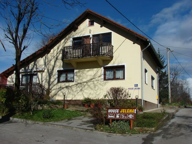 House Jelena - room - shared bath - Rakovica - House