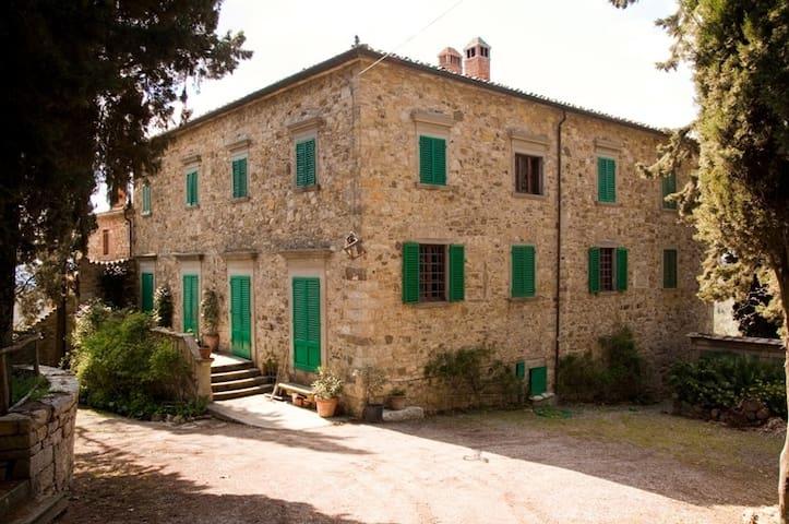 CYPRESSES VILLA IN THE GARDEN POOL - Castellina In Chianti - 一軒家