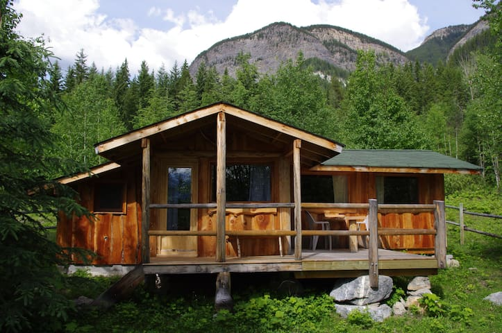 Blaeberry Cabin - Golden - Cabin