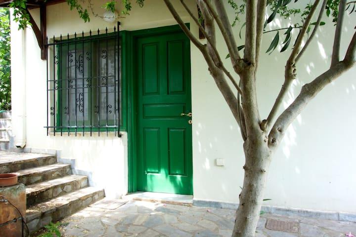 Villa Elli - Varipetro - Huis